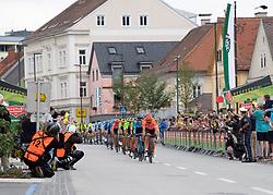 09.07.2019, Frohnleiten, AUT, Ö-Tour, Österreich Radrundfahrt, 3. Etappe, von Kirchschlag nach Frohnleiten (176,2 km), im Bild Das Peleton in Kindberg, Steiermark // the peleton in Kindberg Styria during 3rd stage from Kirchschlag to Frohnleiten (176,2 km) of the 2019 Tour of Austria. Frohnleiten, Austria on 2019/07/09. EXPA Pictures © 2019, PhotoCredit: EXPA/ Reinhard Eisenbauer