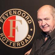 NLD/Rotterdam/20151207 - Reanimatiecursus Feyenoord selectie + bn'ers leren samen reanimeren, politicus Jan Marijnissen