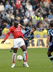 22-10-2006 VOETBAL: UTRECHT - DEN HAAG: UTRECHT<br /> FC Utrecht wint in eigenhuis met 2-0 van FC Den Haag / Marc Antoine Fortune<br /> ©2006-WWW.FOTOHOOGENDOORN.NL