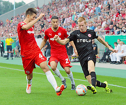 09.08.2015, Stadion Essen, Essen, GER, DFB Pokal, Rot Weiss Essen vs Fortuna Duesseldorf, 1. Runde, im Bild Im Kampf um den Ball v.l. Gino Windmueller (Essen), Iyad Al Khalaf (Essen) und Mike van Duinen (Duesseldorf) // during German DFB Pokal first round match between Rot Weiss Essen and Fortuna Duesseldorf at the Stadion Essen in Essen, Germany on 2015/08/09. EXPA Pictures © 2015, PhotoCredit: EXPA/ Eibner-Pressefoto/ Hommes<br /> <br /> *****ATTENTION - OUT of GER*****