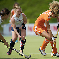 MONCHENGLADBACH - Junior World Cup<br /> Pool A: The Netherlands - USA<br /> photo: Maria Verschoor (orange) and Emily Wold (white).<br /> COPYRIGHT FRANK UIJLENBROEK FFU PRESS AGENCY
