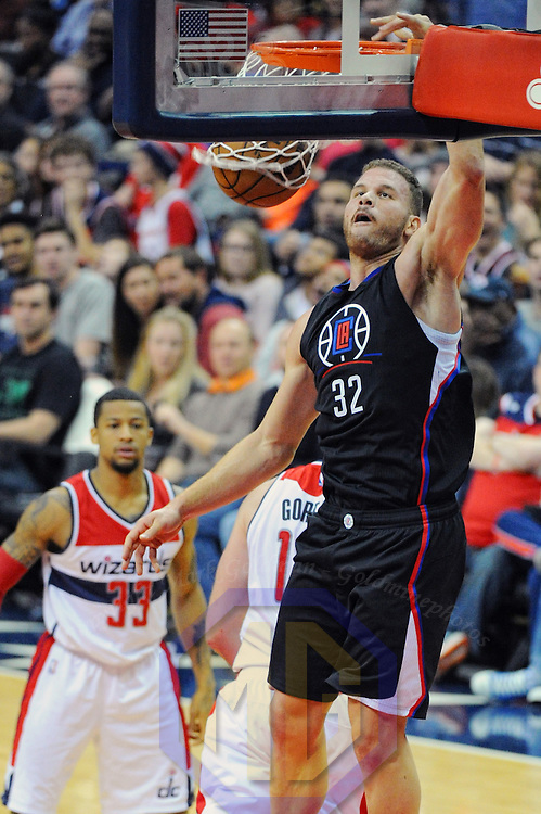WASHINGTON, DC - DECEMBER 18: LA Clippers forward Blake Griffin (32) scores on a dunk in the second half against the Washington Wizards on December 18, 2016, at the Verizon Center in Washington, D.C. The Washington Wizards defeated the LA Clippers, 117-110.  (Photo by Icon Sportswire)