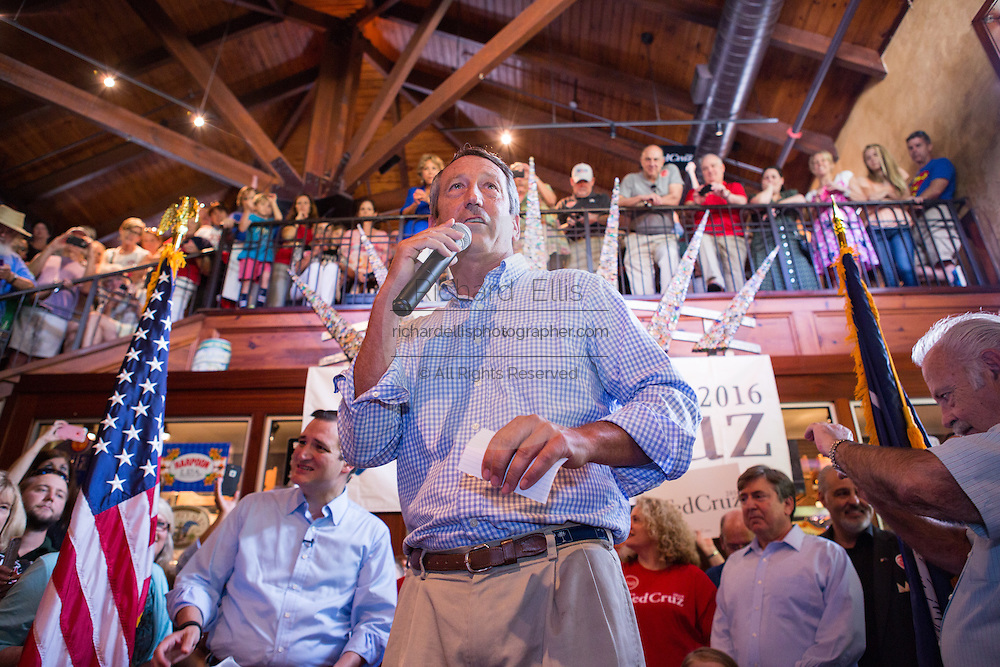 U.S. Congressmen and former Governor Mark Sanford introduces Senator Ted Cruz during a town hall meeting at the Liberty Tap Room restaurant August 7, 2015 in Mt Pleasant, South Carolina. The event was the kick off event of a seven-day bus tour called the Cruz Country Bus Tour of southern states.