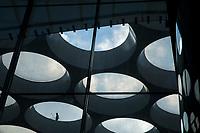 Bollendak van Ector Hoogstad Architecten boven het nieuwe stationsplein in Utrecht