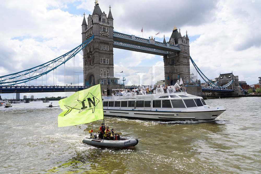 © Licensed to London News Pictures. 15/06/2016.  Staying In Europe campaigners on the River Thames urging voting in the British EU Referendum.  London, UK. Photo credit: Ray Tang/LNP