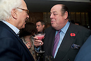 SIR EVELYN DE ROTHSCHILD;  NICHOLAS SOAMES;  Launch of Nicky Haslam's book Redeeming Features. Aqua Nueva. 5th floor. 240 Regent St. London W1.  5 November 2009.  *** Local Caption *** -DO NOT ARCHIVE-© Copyright Photograph by Dafydd Jones. 248 Clapham Rd. London SW9 0PZ. Tel 0207 820 0771. www.dafjones.com.<br /> SIR EVELYN DE ROTHSCHILD;  NICHOLAS SOAMES;  Launch of Nicky Haslam's book Redeeming Features. Aqua Nueva. 5th floor. 240 Regent St. London W1.  5 November 2009.