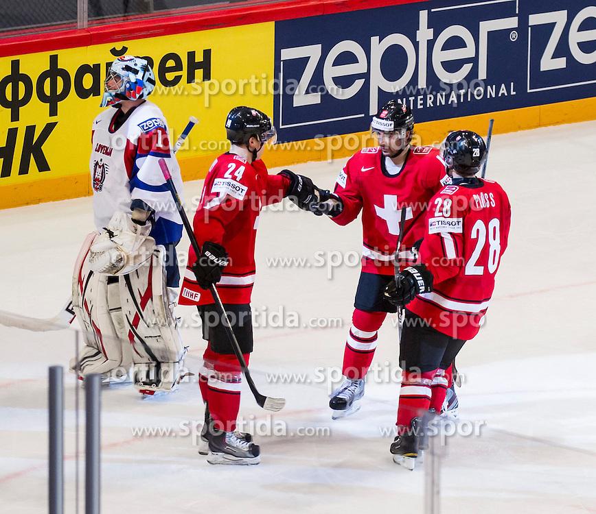 08.05.2013, Globe Arena, Stockholm, SWE, IIHF, Eishockey WM, Slowenien vs Schweiz, im Bild Switzerland Schweiz, jubel glädje lycka glad happy, Switzerland (Schweiz) 24 Reto Suri, Switzerland (Schweiz) 28 Martin Pluss // during the IIHF Icehockey World Championship Game between Slovenia and Switzerland at the Ericsson Globe, Stockholm, Sweden on 2013/05/08. EXPA Pictures © 2013, PhotoCredit: EXPA/ PicAgency Skycam/ Johan Andersson..***** ATTENTION - OUT OF SWE *****
