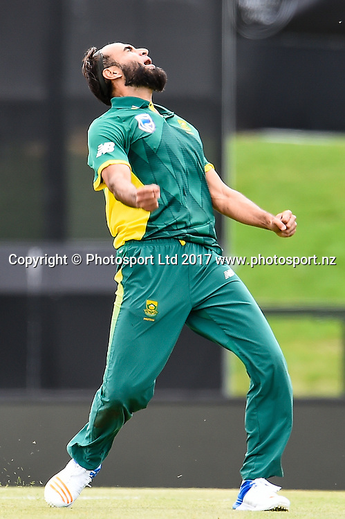 Imran Tahir of South Africa  gets the wicket of Kane Williamson during the 2nd ANZ  One Day International Cricket  match, New Zealand V South Africa, Hagley Oval, Christchurch, New Zealand, 22nd Febuary 2017.Copyright photo: John Davidson / www.photosport.nz
