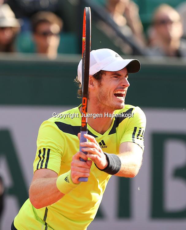 French Open 2014, Roland Garros,Paris,ITF Grand Slam Tennis Tournament,<br /> Andy Murray (GBR ),Aktion,Einzellbild,<br /> Ganzkoerper,Hochformat,