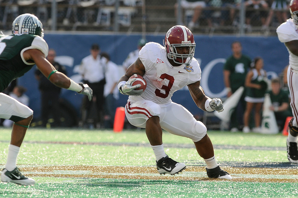 January 1, 2011: Trent Richardson of the Alabama Crimson Tide in action during the NCAA football game between Michigan State Spartans and the Alabama Crimson Tide at the 2011 Capital One Bowl in Orlando, Florida. Alabama defeated Michigan State 49-7.