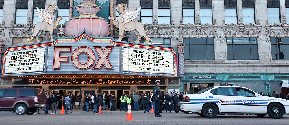 Detroit Police provide traffic control at the Fox Theatre in Detroit, Michigan April 2, 2011 where Charlie Sheen is kicking off the cross country tour of his show &quot;Violent Torpedo of Truth/Defeat is Not an Option&quot;.<br /> AFP/GEOFF ROBINS/STR