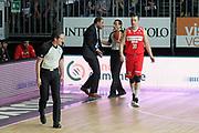 DESCRIZIONE: Cantu' Lega A 2015-16 <br /> Acqua Vitasnella Cantu' vs Openjobmetis Varese<br /> GIOCATORE: Paolo Moretti<br /> CATEGORIA: proteste controcampo<br /> SQUADRA: Openjobmetis Varese<br /> EVENTO: Campionato Lega A 2015-2016<br /> GARA: Acqua Vitasnella Cantu' Openjobmetis Varese <br /> DATA: 05/05/2016<br /> SPORT: Pallacanestro<br /> AUTORE: Agenzia Ciamillo-Castoria/A. Ossola<br /> Galleria: Lega Basket A 2015-2016<br /> Fotonotizia: Cantu' Lega A 2014-15 <br /> Acqua Vitasnella Cantu' Openjobmetis Varese
