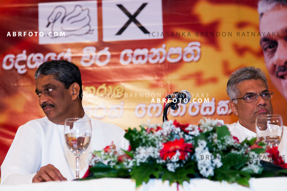 Sarath Fonseka (left) & his running mate Ranil Wickramasinghe (right) the day before the 2010 Sri Lankan Presidential Election.