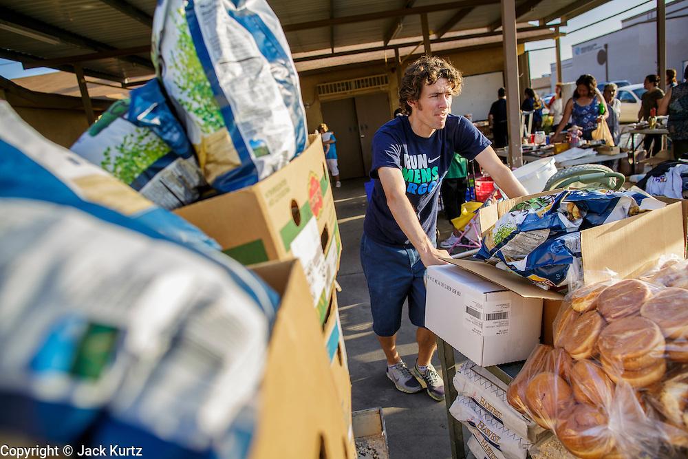 07 AUGUST 2012 - TOLLESON, AZ:    PHOTO BY JACK KURTZ