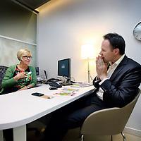 Nederland, Amsterdam , 27 mei 2014.<br /> Jolanda Mel en Peter van Felius voor de rubriek de Ontmoeting in Tracer.<br /> Foto:Jean-Pierre Jans