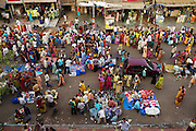 Just outside the PMG Colony in the Western Mumbai suburb Mankhurd, a market draws customers from the resettlement and the rest of Mankhurd, including a shantytown slum area.