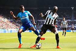 Edward Nketiah of Arsenal and Mohamed Diame of Newcastle United - Mandatory by-line: Matt McNulty/JMP - 15/04/2018 - FOOTBALL - St James Park - Newcastle upon Tyne, England - Newcastle United v Arsenal - Premier League