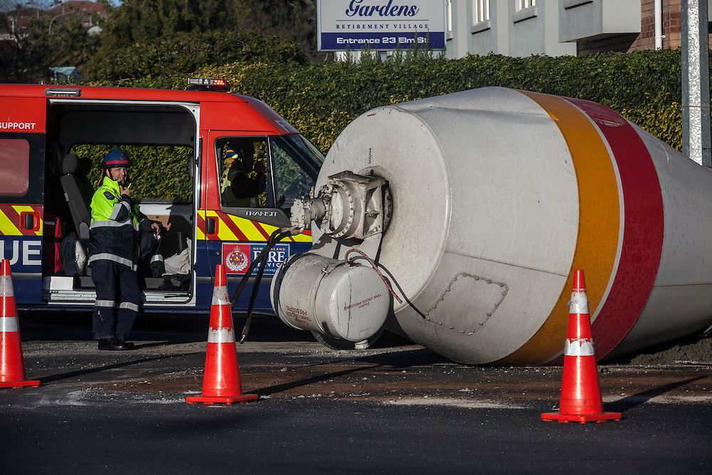 A concrete truck lost its concrete bowl on Ash Street and Rosebank Road in Avondale causing traffic hold ups in all directions, Auckland, New Zealand, Tuesday, July 16,2013.  Credit:SNPA / Bradley Ambrose