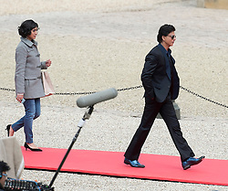 © Licensed to London News Pictures. 27/03/2015. Shah Rukh Khan (picturedright) filming for his new Bollywood production 'FAN' at Blenheim Palace in Woodstock, Oxfordshire, UK on March 27, 2015. Shah Rukh Khan (Also known as SRK) has appeared in more than 80 Bollywood films and is considered to be one of the worlds biggest film and television stars. Photo credit: Mark Hemsworth/LNP