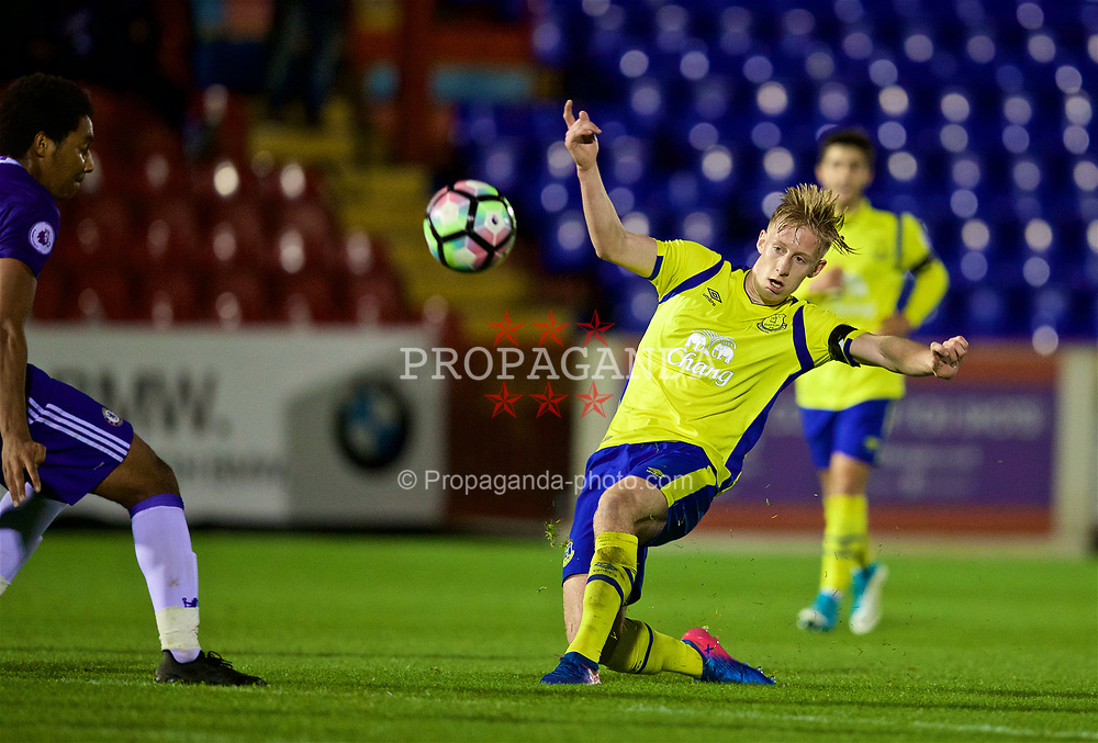 ALDERSHOT, ENGLAND - Friday, April 21, 2017: Everton's Harry Charsley in action against Chelsea during FA Premier League 2 Division 1 Under-23 match at the Recreation Ground. (Pic by David Rawcliffe/Propaganda)