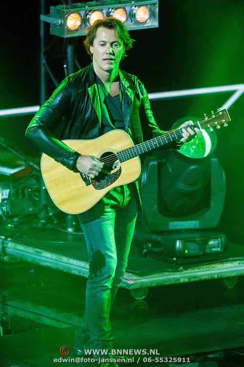 NLD/Hilversum/20160109 - 4de live uitzending The Voice of Holland 2015, Jeroen Rietbergen