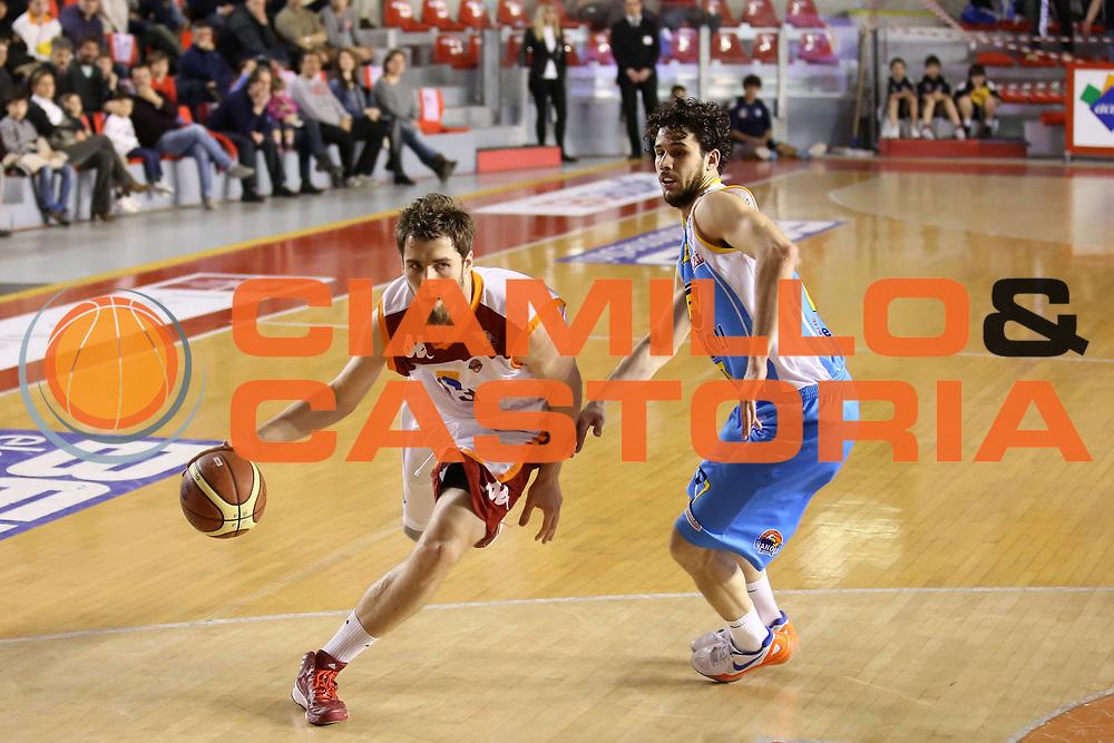 DESCRIZIONE : Roma Lega A 2012-13 Acea Roma Vanoli Cremona<br /> GIOCATORE : Aleksander Czyz<br /> CATEGORIA : palleggio<br /> SQUADRA : Acea Roma<br /> EVENTO : Campionato Lega A 2012-2013 <br /> GARA : Acea Roma Vanoli Cremona<br /> DATA : 03/03/2013<br /> SPORT : Pallacanestro <br /> AUTORE : Agenzia Ciamillo-Castoria/ElioCastoria<br /> Galleria : Lega Basket A 2012-2013  <br /> Fotonotizia : Roma Lega A 2012-13 Acea Roma Vanoli Cremona<br /> Predefinita :