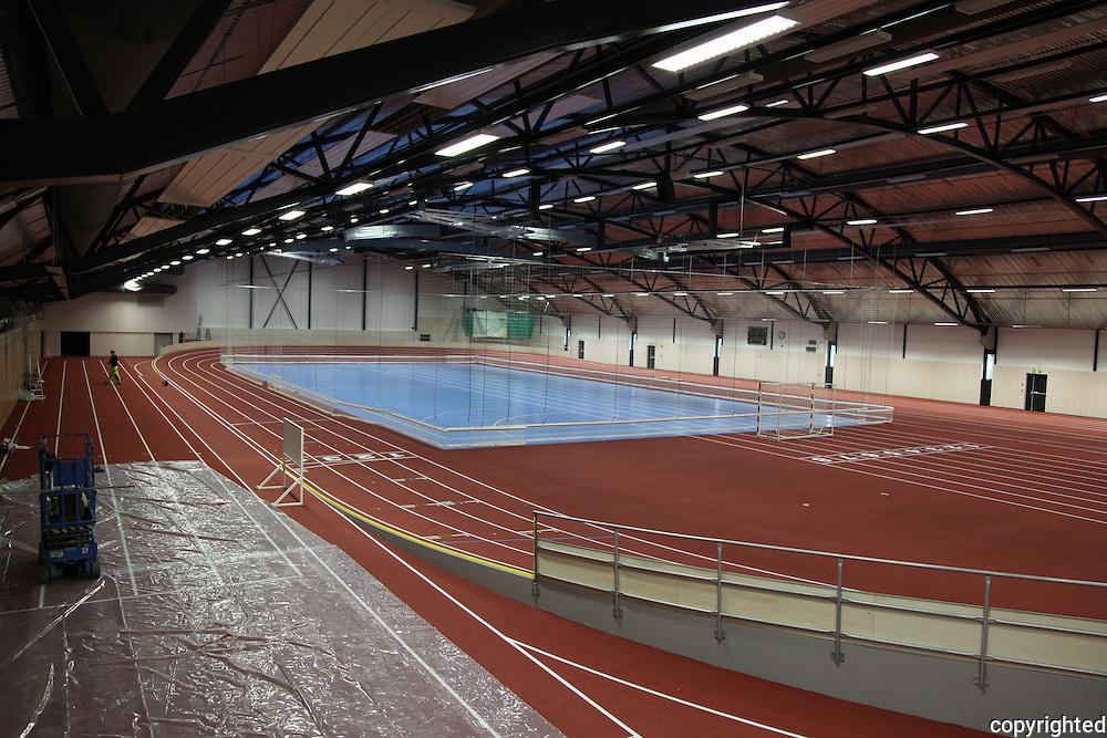 Ranheim Idrettshall utenfor Trondheim er en av de første rene innendørs idrettshaller i Norge. 4.88 m2 med bl.a. 200-metersbane, ballbane og åtte 60-meterbaner.