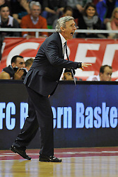 25.02.2014, Audi Dome, Muenchen, GER, Beko Basketball BL, FC Bayern Muenchen Basketball vs Artland Dragons, 22. Runde, im Bild Svetislav Pesic, Cheftrainer (FC Bayern Muenchen Basketball) // during the Beko Basketball Bundes league 22. round match between FC Bayern Munich Basketball and Artland Dragons at the Audi Dome in Muenchen, Germany on 2014/02/25. EXPA Pictures © 2014, PhotoCredit: EXPA/ Eibner-Pressefoto/ Buthmann<br /> <br /> *****ATTENTION - OUT of GER*****