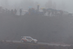 17.01.2014, Sisteron, FRA, FIA, WRC, Monte Carlo, 2. Tag, im Bild OSTBERG Mads / ANDERSSON Jonas ( CITROEN TOTAL ABU DHABI WRT (FRA) / CITROEN DS3 ) im dichten Nebel mit Zuschauern during day two of FIA Rallye Monte Carlo held near Monte Carlo, France on 2014/01/17. EXPA Pictures © 2014, PhotoCredit: EXPA/ Eibner-Pressefoto/ Neis<br /> <br /> *****ATTENTION - OUT of GER*****