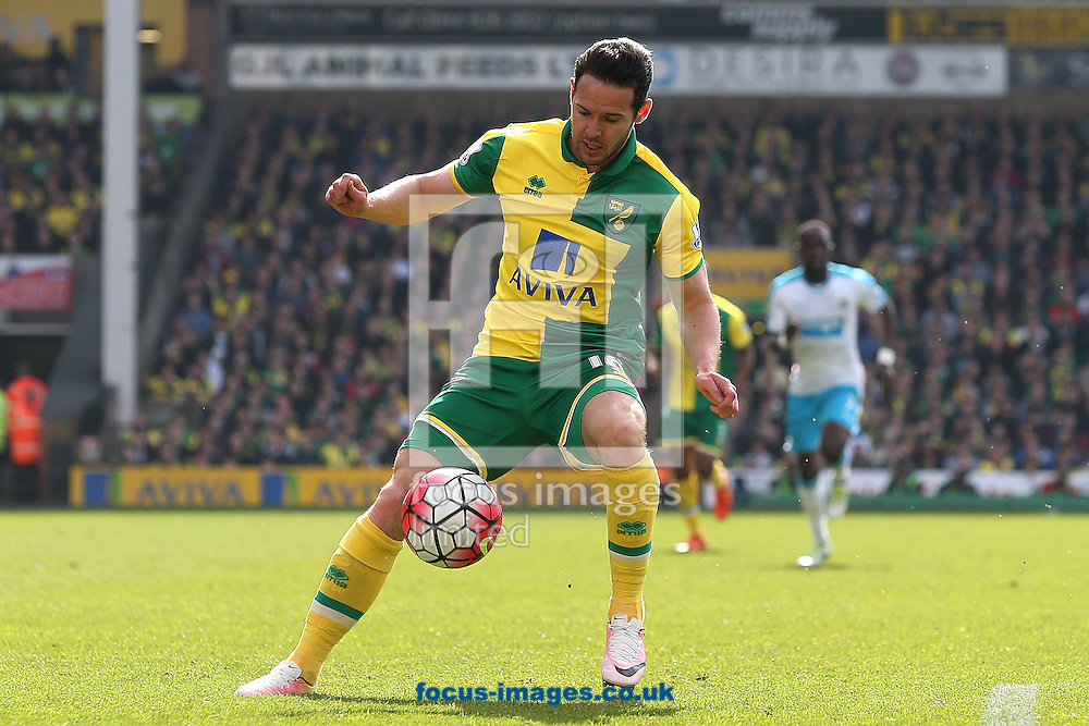 Matt Jarvis of Norwich in action during the Barclays Premier League match at Carrow Road, Norwich<br /> Picture by Paul Chesterton/Focus Images Ltd +44 7904 640267<br /> 02/04/2016