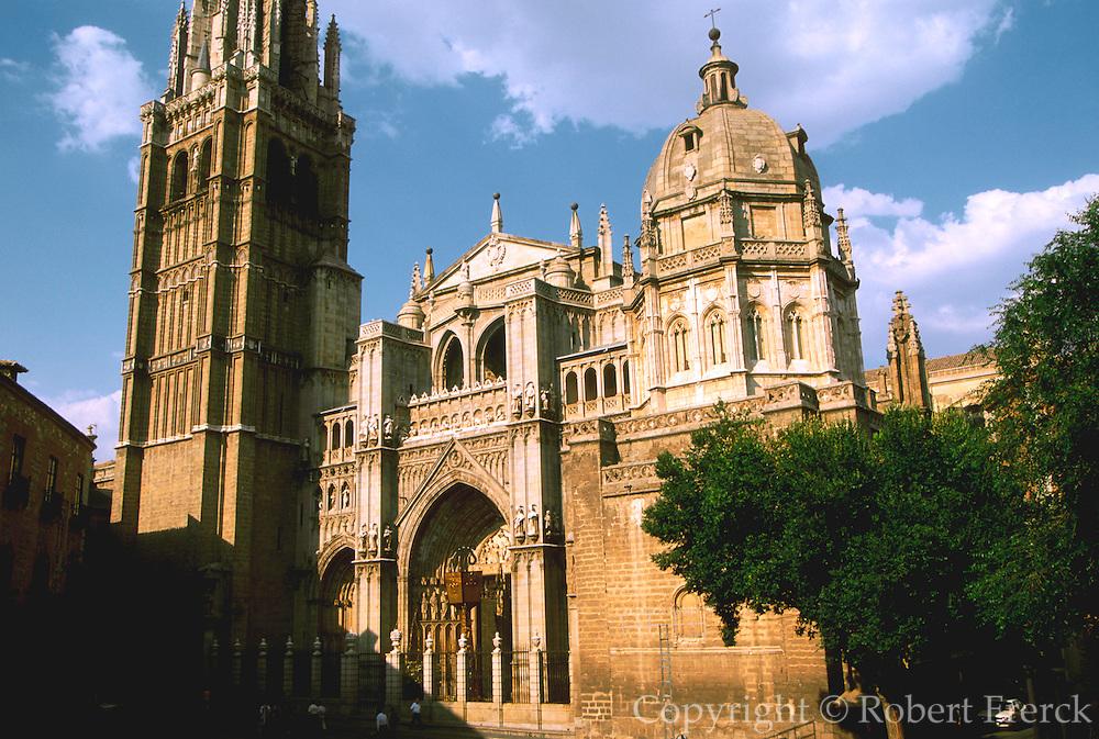 SPAIN, LA MANCHA, TOLEDO Cathedral; the Puerto del Perdon