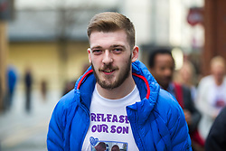 """© Licensed to London News Pictures. 01/02/2018. Liverpool UK. Tom Evans father of Alfie Evans at Liverpool Civil & Family Court today. Tom Evans and Kate James from Liverpool are in dispute with medics looking after their son 19-month-old son Alfie Evans, at Alder Hey Children's Hospital in Liverpool. Alfie is in a """"semi-vegetative state"""" and had a degenerative neurological condition doctors have not definitively diagnosed. Specialists at Alder Hey say continuing life-support treatment is not in Alfie's best interests but the boy's parents want permission to fly their son to a hospital in Rome for possible diagnosis and treatment.Photo credit: London News Pictures"""