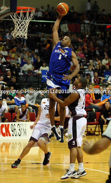 Saints import Erron Maxey slam dunks.<br /> NBL - Wellington Saints v Harbour Heat at TSB Bank Arena, Wellington. Thursday, 29 April 2010. Photo: Dave Lintott/PHOTOSPORT