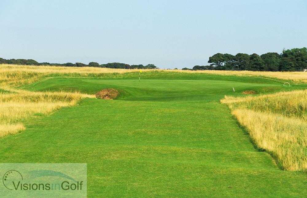 The 16th par 3<br /> The Honourable Company of Ediinburgh Golfers, Muirfield GC, Scotland, Uk, Photo Mark Newcombe