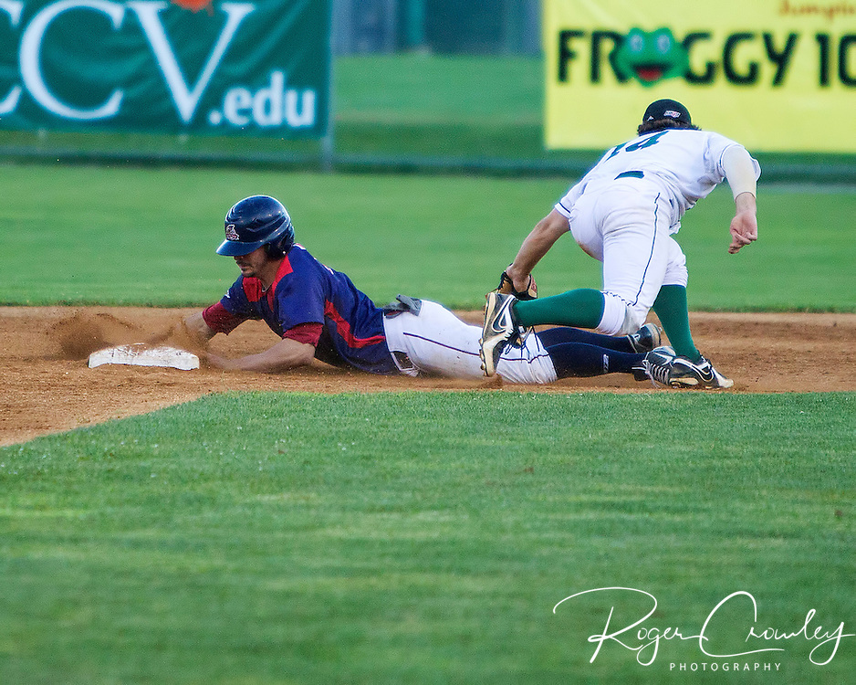 Vermont Mountaineers defeat the Holyoke Blue Sox 5-3 at Montpelier Recreation Field.