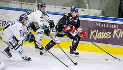 21.02.2018, Tiroler Wasserkraft Arena, Innsbruck, AUT, EBEL, HC TWK Innsbruck die Haie vs EHC Liwest Black Wings Linz, 5. Platzierungsrunde, im Bild v.l.: Joel Broda (EHC Liwest Black Wings Linz), Mario Altmann (EHC Liwest Black Wings Linz) und Hunter Bishop (HC TWK Innsbruck  die Haie) // during the Erste Bank Erste Bank Icehockey 5th placement round match between HC TWK Innsbruck  die Haie and EHC Liwest Black Wings Linz at the Tiroler Wasserkraft Arena in Innsbruck, Austria on 2018/02/21. EXPA Pictures © 2018, PhotoCredit: EXPA/ Jakob Gruber