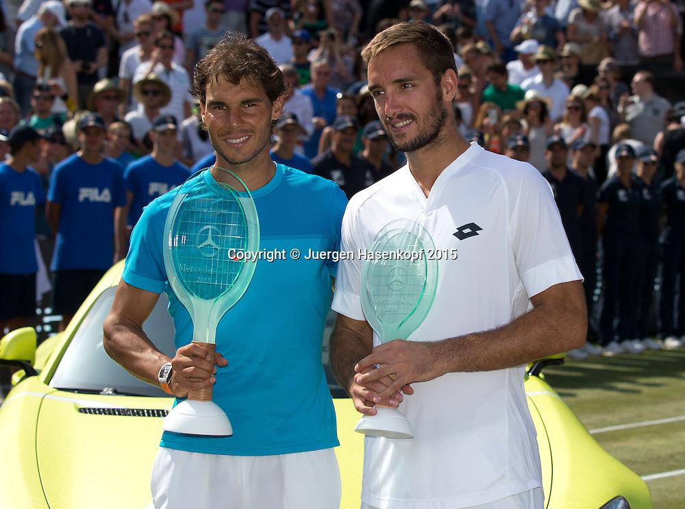Sieger Rafael Nadal (ESP) und Finalist Viktor Troicki mit Pokal,Siegerehrung<br /> <br /> Tennis - Mercedes Cup - ATP -  Tennisclub Weissenhof  - Stuttgart - Baden-Wuerttemberg - Germany  - 14 June 2015. <br /> &copy; Juergen Hasenkopf