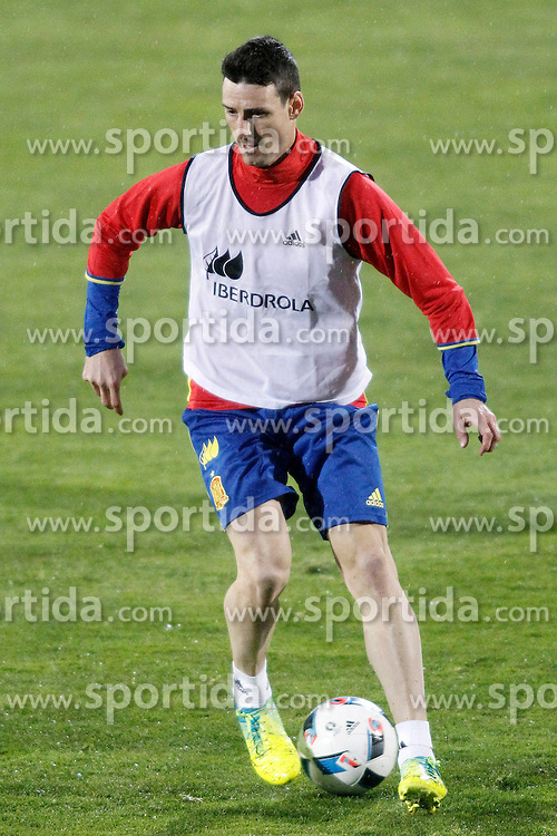 21.03.2016, Ciudad del Futbol de Las Rozas, Madrid, ESP, RFEF, Training spanische Fu&szlig;ballnationalmannschaft, im Bild Spain's Aritz Aduriz // during a practice session of spanish national football Team at the Ciudad del Futbol de Las Rozas in Madrid, Spain on 2016/03/21. EXPA Pictures &copy; 2016, PhotoCredit: EXPA/ Alterphotos/ Acero<br /> <br /> *****ATTENTION - OUT of ESP, SUI*****