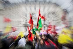 17.03.2018, 1. Bezirk, Wien, AUT, Demonstration gegen Rassismus und Faschismus in Wien, im Bild Demonstranten mit Fanen // during protest against racism and fascism, in Vienna, Austria on 2018/03/17. EXPA Pictures © 2018, PhotoCredit: EXPA/ Florian Schroetter