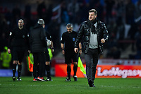 Football - 2018 / 2019 FA Cup - Third Round: Brentford vs. Oxford United<br /> <br /> Oxford United head coach Karl Robinson leaves the pitch at half time, at Griffin Park.<br /> <br /> COLORSPORT/ASHLEY WESTERN