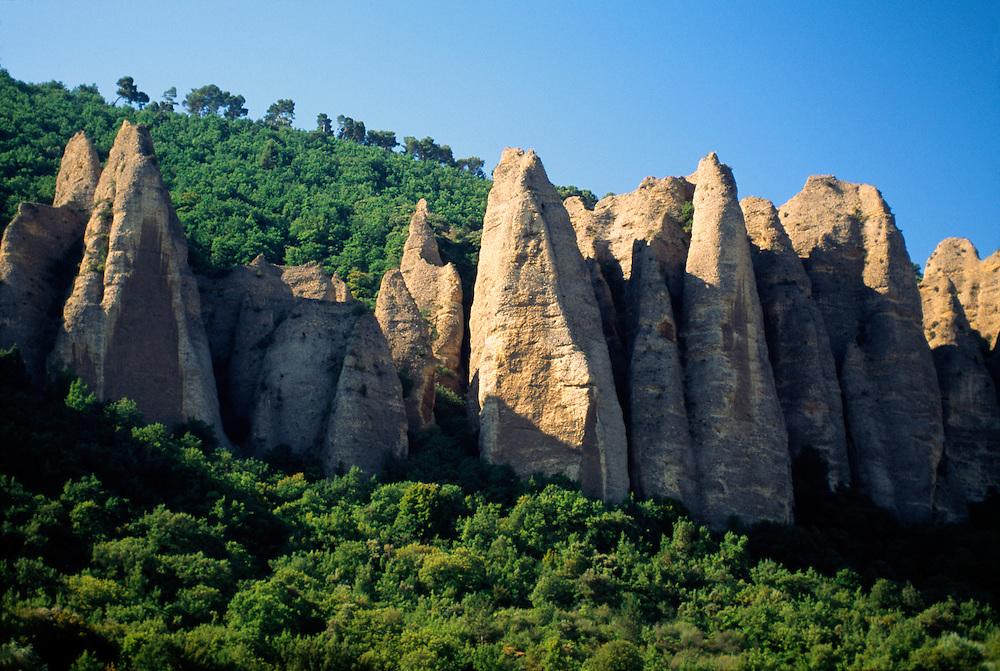 France, Provence, Alpes de Haute, Les Penitents des Mees.