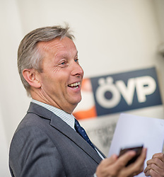 14.03.2014, OeVP Bundespartei, Wien, AUT, OeVP, Vorstandssitzung der OeVP Bundespartei. im Bild OeVP Klubobmann Reinhold Lopatka // Leader of the Parliamentary Group OeVP Reinhold Lopatka before board meeting of OeVP at federal party of OeVP in Vienna, Austria on 2014/03/14. EXPA Pictures © 2014, PhotoCredit: EXPA/ Michael Gruber