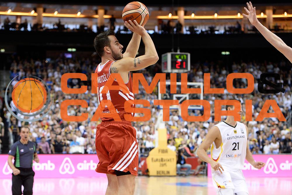 DESCRIZIONE : Berlino Berlin Eurobasket 2015 Group B Germany Turkey <br /> GIOCATORE :  Melih Mahmutoglu<br /> CATEGORIA :Tiro<br /> SQUADRA :Turkey<br /> EVENTO : Eurobasket 2015 Group B <br /> GARA : Germany Turkey <br /> DATA : 08/09/2015 <br /> SPORT : Pallacanestro <br /> AUTORE : Agenzia Ciamillo-Castoria/I.Mancini <br /> Galleria : Eurobasket 2015 <br /> Fotonotizia : Berlino Berlin Eurobasket 2015 Group B Germany Turkey