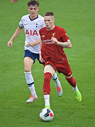 KIRKBY, ENGLAND - Saturday, August 10, 2019: Liverpool's Ryan Kent (R) during the Under-23 FA Premier League 2 Division 1 match between Liverpool FC and Tottenham Hotspur FC at the Academy. (Pic by David Rawcliffe/Propaganda)