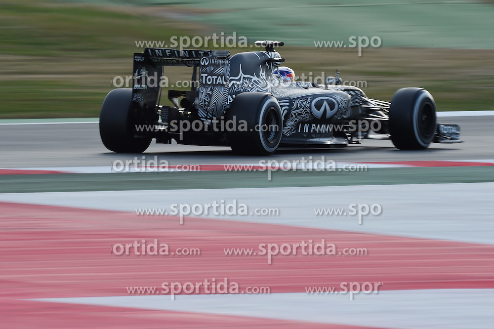 28.02.2015, Circuit de Catalunya, Barcelona, ESP, FIA, Formel 1, Testfahrten, Barcelona, Tag 3, im Bild Daniel Ricciardo (AUS) Red Bull Racing RB11 // during the Formula One Testdrives, day three at the Circuit de Catalunya in Barcelona, Spain on 2015/02/28. EXPA Pictures &copy; 2015, PhotoCredit: EXPA/ Sutton Images/ Mark Images<br /> <br /> *****ATTENTION - for AUT, SLO, CRO, SRB, BIH, MAZ only*****