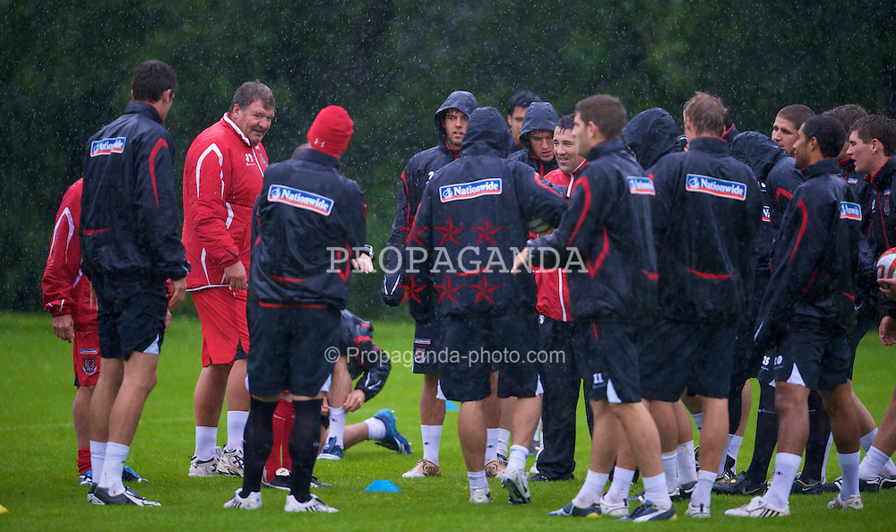 CARDIFF, WALES - Friday, September 5, 2008: Wales' manager John Toshack during a wet training session at the Vale of Glamorgan Hotel ahead of their opening 2010 FIFA World Cup South Africa Qualifying Group 4 match against Azerbaijan. (Photo by David Rawcliffe/Propaganda)