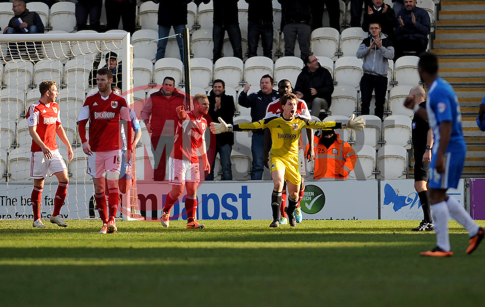 Bristol City appeal against Colchester United's first goal - Photo mandatory by-line: Dougie Allward/JMP - Mobile: 07966 386802 22/03/2014 - SPORT - FOOTBALL - Colchester - Colchester Community Stadium - Colchester United v Bristol City - Sky Bet League One