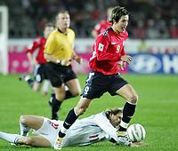 Fotball / Soccer<br /> Play off VM 2006 / Play off World Champio0nships 2006<br /> Tsjekkia v Norge 1-0<br /> Czech Republic v Norway 1-0<br /> Agg: 2-0<br /> 16.11.2005<br /> Foto: Morten Olsen, Digitalsport<br /> <br /> Morten Gamst Pedersen (Blackburn) and Pavel Nedved (Juventus)