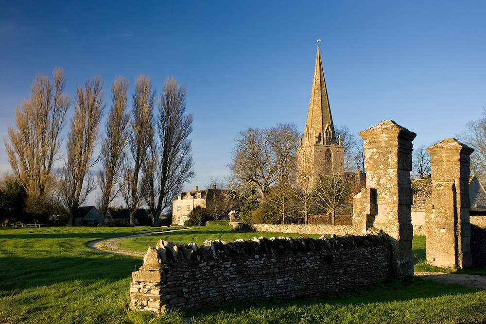 Village scene and St Peter and St Paul Church, Broadwell, The Cotswolds, Oxfordshire, UK
