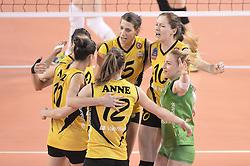09-04-2016 ITA: CEV DenizBank Champions League Fenerbahce Grundig Istanbul - VakıfBank Istanbul, Montichiari<br /> Vakifbank wint met 3-0 en plaatst zich voor de finale / Lonneke Sloetjes #10, Robin de Kruijf #5, Anne Buijs #12<br /> <br /> ***NETHERLANDS ONLY***